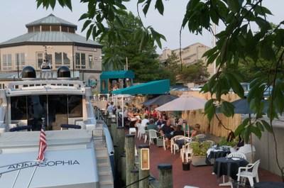 Sam's Waterfront Café