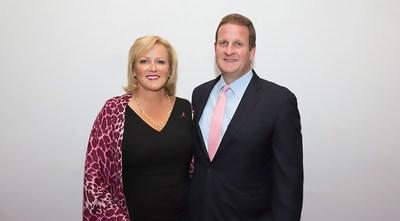 Rob and Karen Hale. Credit: Michael Blanchard. (PRNewsfoto/Connecticut College)