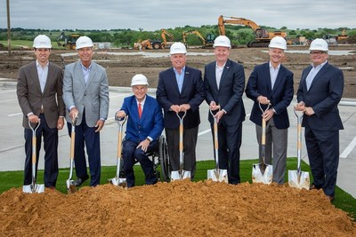 Left to right: Blake Rowling, Bob Rowling, Governor Greg Abbott, PGA President Jim Richerson, Mayor Jeff Cheney, Bruce Wright (SB Architects), Peter Strebel