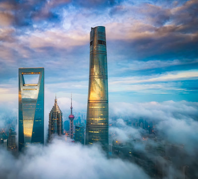 J Hotel Shanghai Tower Exterior